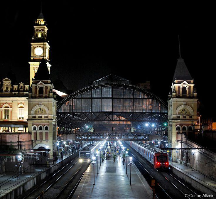 Estacao_da_Luz_Sao_Paulo_Central_Train_Station_by_night_by_Carlos_Alkmin.jpg (1000×922)