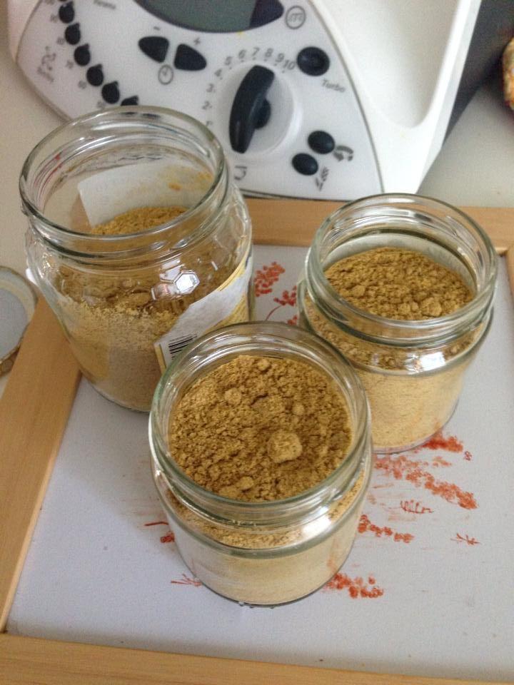 Dado vegetale granulare Bimby, ecco come farlo facilmente in casa in poche mosse! Ingredienti: 350 gr di verdure miste fresche (cipolla, sedano, prezzemolo, ...