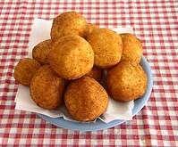 Rezept Arancini-Frittierte Reisbälchen von SandraRegina1979 - Rezept der Kategorie Vorspeisen/Salate