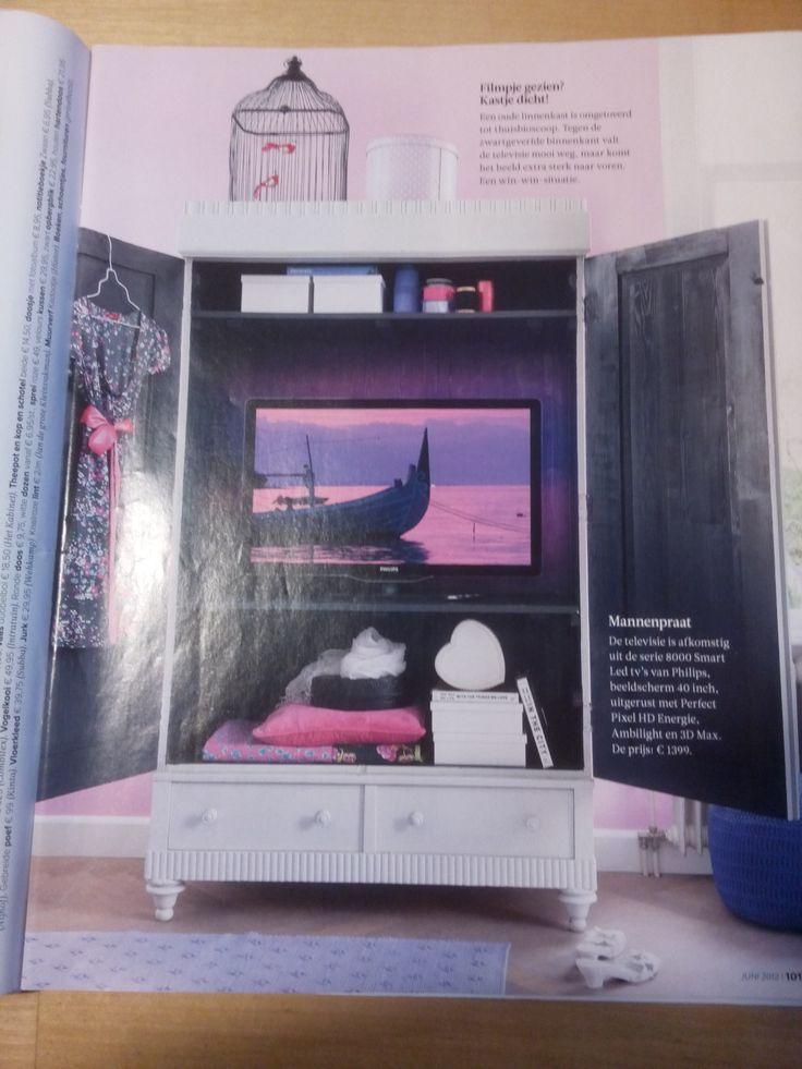 tv-kast: buiten wit, binnen (mat) zwart