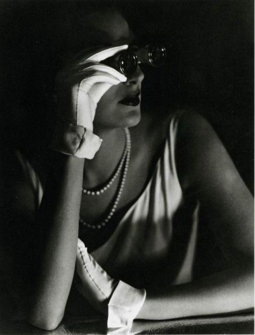 1931 photo by George Hoyningen-Huene