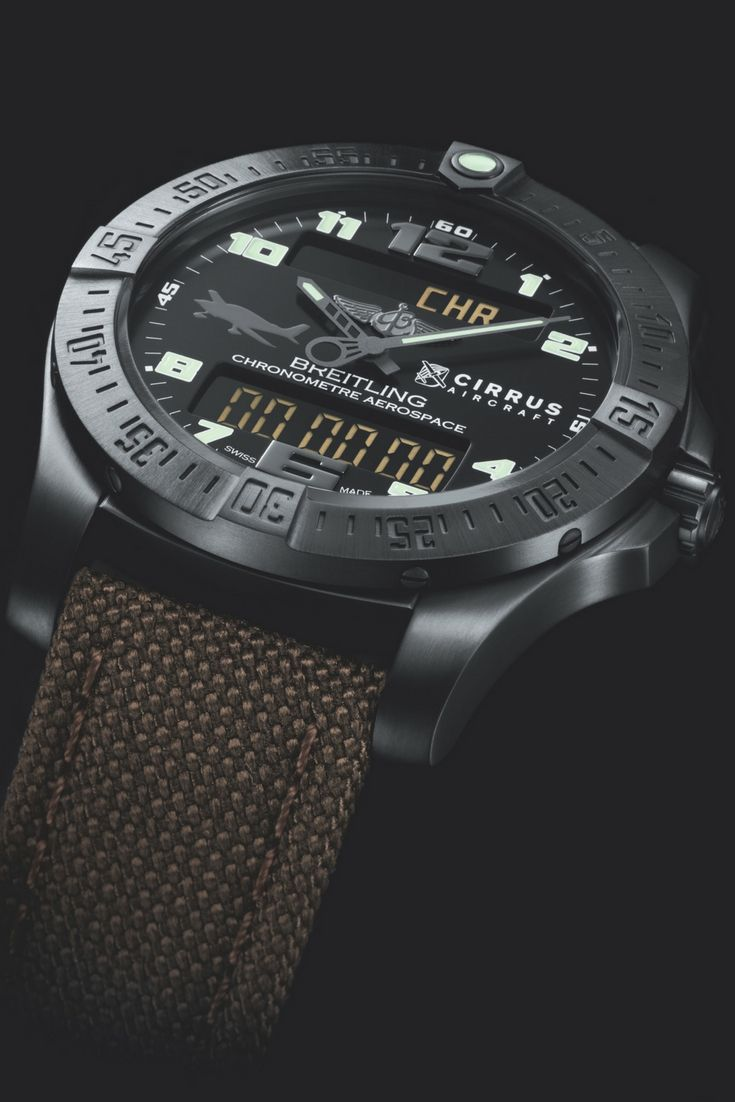 Limited to 220 pieces, the Breitling Aerospace Evo Night Mission Cirrus Limited Edition will be available exclusively at EAA AirVenture this year at the Breitling Booth (Hangar C, Booth 3058AA).  #breitling #flybreitling #aerospace #aviation #airplanes #aviator #EAA #Osh17