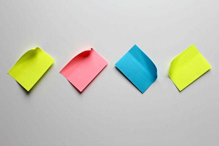 La méthode des POST IT : des idées pour apprendre et s'organiser  Le fait de placer des Post It sous forme de Kanban permet de visualiser l'activité, de mieux tenir les échéances et de gagner du temps en termes d'organisation. C'est également un outil de motivation.