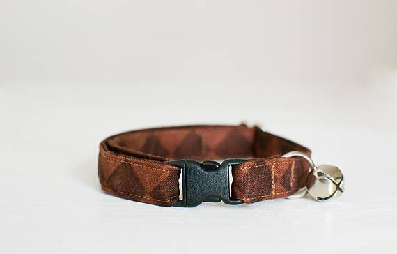 Hey, I found this really awesome Etsy listing at https://www.etsy.com/listing/535335441/cat-collar-breakaway-cat-collar-brown