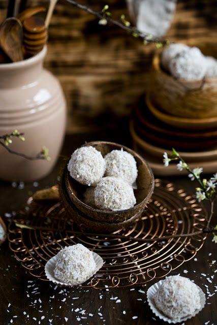 Kuchenne Szaleństwa: Pralinki jaglano-kokosowe
