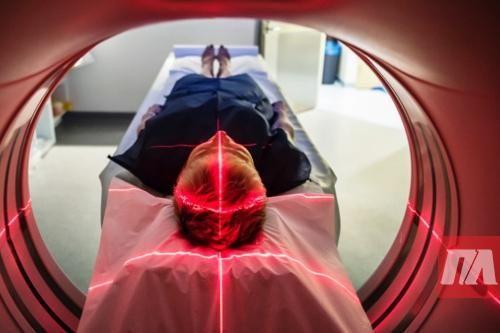 Специалисты о вредных мифах, популярных как у пациентов, так и среди врачей Миф 1. Любую проблему можно решить с помощью лекарства За последний век медицина изобрела антибиотики, вакцины, анестезию, препараты для лечения некоторых видов рака. Мы знаем- как лечить гастрит, язву желудка, умеем управлять отдельными симптомами многих серьезных заболеваний, в состоянии облегчить состояние пациента с …