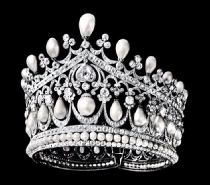 A tiara of huge pear pearls and diamonds, belonging to Empress Alexandra Fedorovna, consort to the last tsar. It is made by court jeweler Bolin.