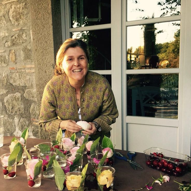 Me making ice with flowers!!! Relais Villa Rossi Danielli
