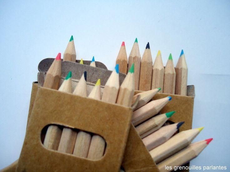 """""""Crayons de couleur, 4 boites crayons couleurs est une création orginale de LesGrenouillesParlantes sur DaWanda  1€/boîte/6crayons"""