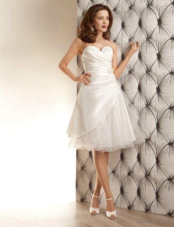 Bonnie White rövid esküvői ruha