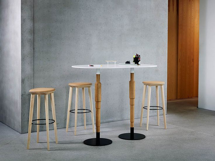 Jackie Bar Stool and Cosmo Table by Minustio.