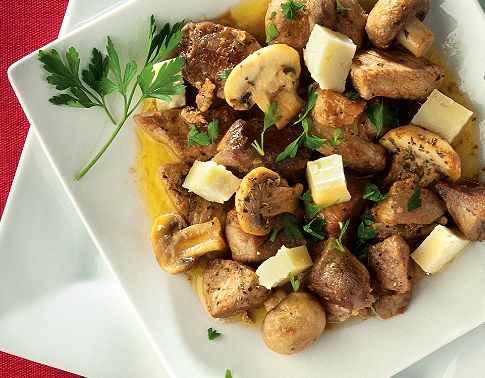 Χοιρινή τηγανιά με μανιτάρια και τυρί
