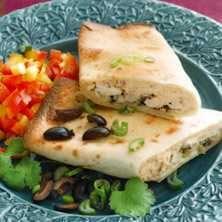 """Burritos med kyckling och färskost – """"chimichangas"""" - Recept - Tasteline.com"""