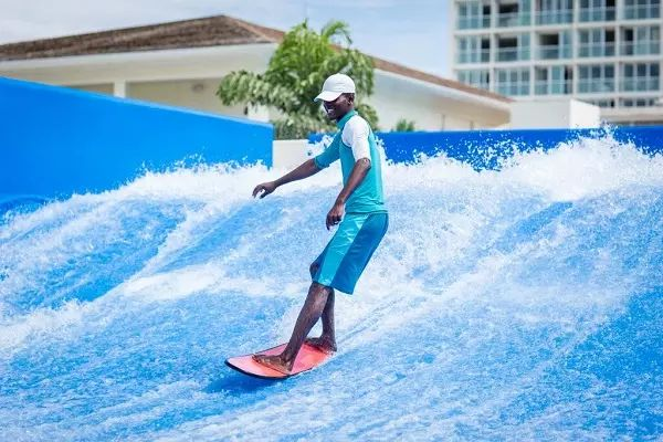 Moon Palace Jamaica Grande – All-Inclusive has fun activities for everyone in the family, including the FlowRider® Surf Simulator.