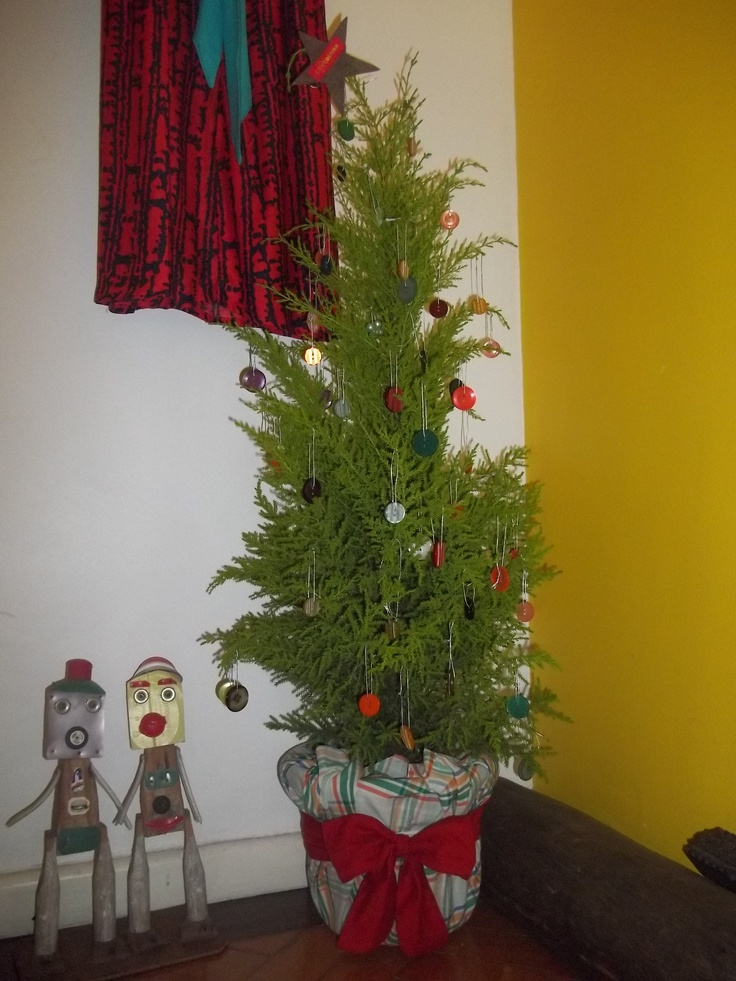 Ebaaaa! Nossa árvore de Natal com botões!