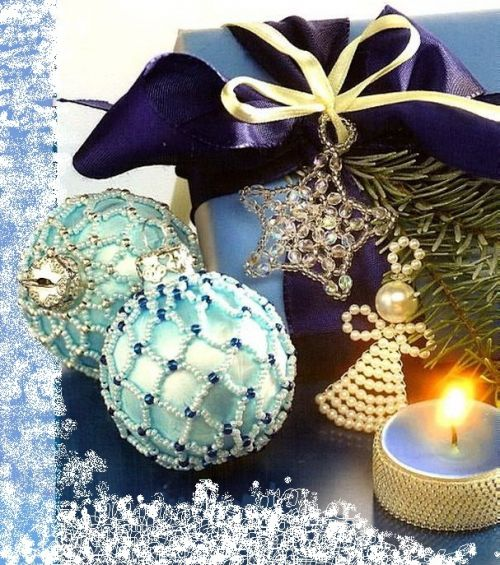 Christmas decorations of beads, twining Christmas balls Beads scheme