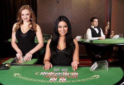 Casino online betting involves money, therefore it is very essential to examine about the casino you have selected to gamble. In fact, it is suggested by experienced gamblers that you should always play in a well known or recommended casino..