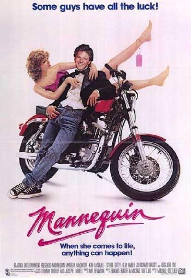 """Me Enamore de un Maniqui (1987).  La historia de la chica del aparador que cobra vida fue muy popular a finales de los 80's. Protagonizada por Andrew McArthy y Kim Cattrall. Recordada por el tema """"Nothing Gonna Stop Us Now"""" de Starship que fue parte del Soundtrack de la pelicula."""