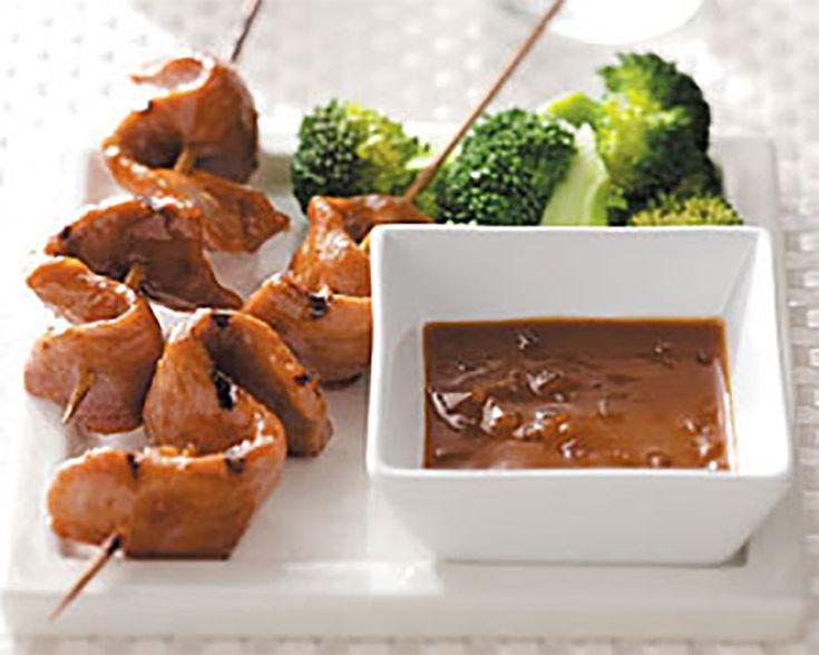 Het recept voor de varkenshaas saté is erg eenvoudig te bereiden. Binnen een halfuur heb je 8 of meer satéstokjes klaargemaakt. Smaakt heerlijk bij de rijst