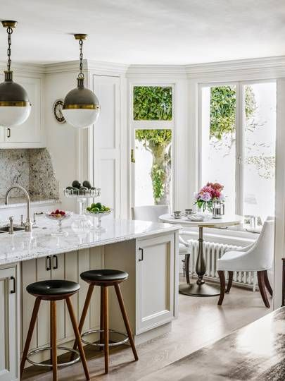beach house airiness meets traditional english elegance in this rh pinterest com