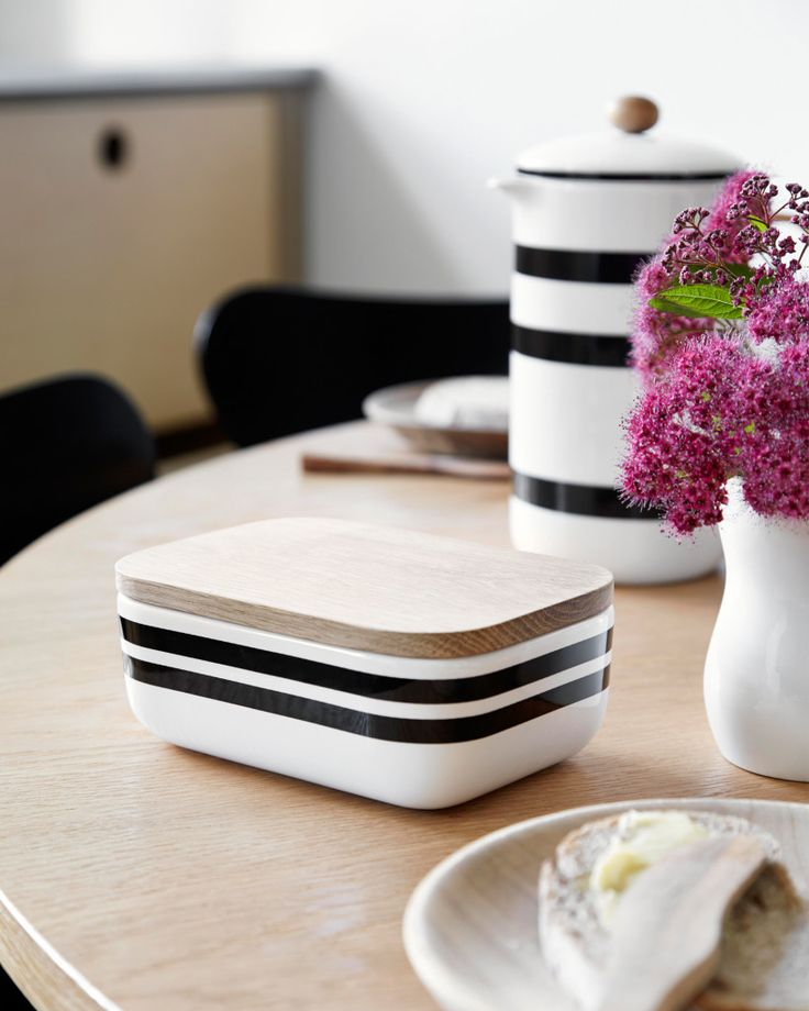 Omaggio Butter Dish by Kahler Design