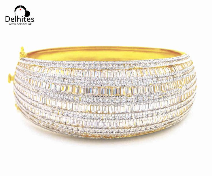 Ojal: 22 carat Gold Plated Bracelet with sparkling Cubic Zirconia