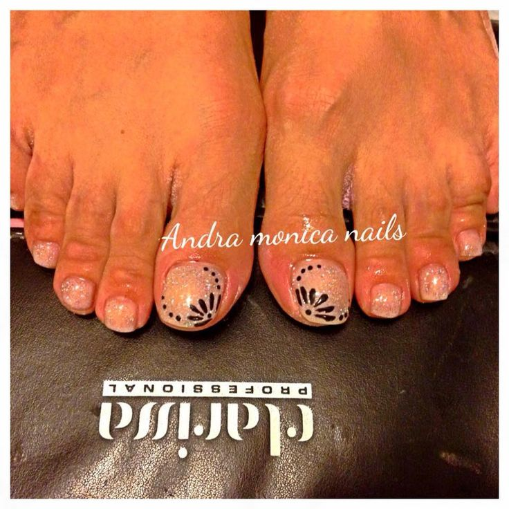 Nails Beauty rubrica di Monica Stan, pedicure con smalto semipermanente
