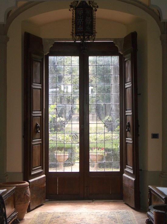 Love these doors. Very Italian!