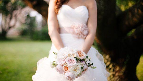 garden rosse and berry bouquet | bouquet con rose da giardino rosa e pesca e bacche