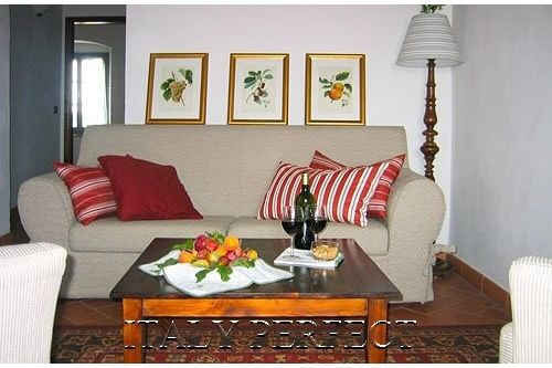 A picture perfect villa in Tuscany. Two bed Two bath and a large terrace! Italy Perfect