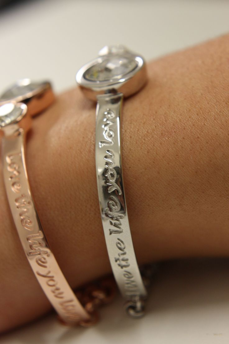 Elegant new Mi Moneda bracelts available at Campbell jewellers Donnybrook.  SHOP SILVER HERE > http://campbelljewellers.com/jewellery/mi-moneda-jewellery/mi-moneda-bracelets/mi-moneda-cambio-vida-silver-bracelet.html  SHOP ROSEGOLD HERE> http://campbelljewellers.com/jewellery/mi-moneda-jewellery/mi-moneda-bracelets/mi-moneda-cambio-vida-silver-rose-bracelet.html