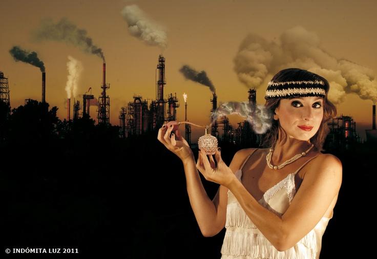 Contaminación aérea: La concentración de dióxido de carbono (CO2) en la atmósfera ha alcanzado la cifra récord de 387 partes por millón a nivel mundial. Esto significa un crecimiento de casi el 40 por ciento desde la revolución industrial y la cifra más alta de  los últimos 650.000 años. © INDÓMITA LUZ 2011