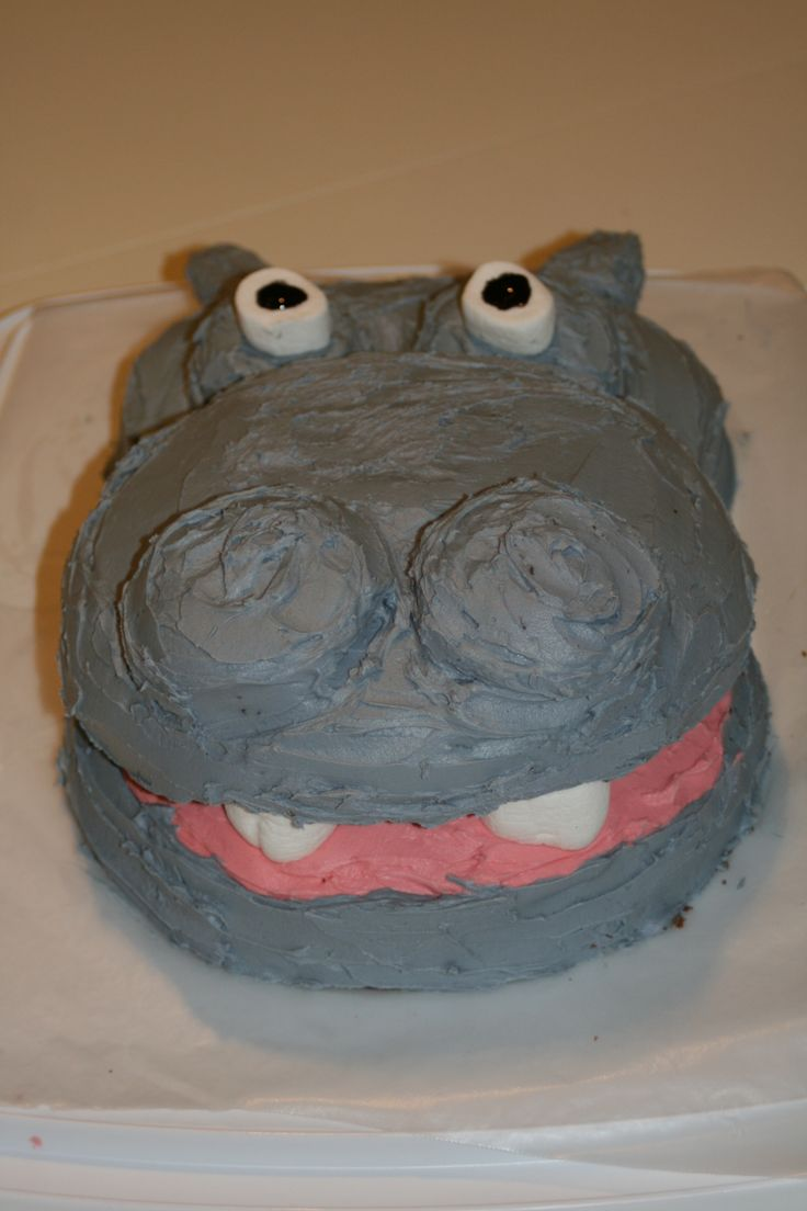 Hippo cake with marshmellow teeth.