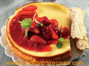 LOW CARB CHEESECAKE WITH BERRY COMPOTE