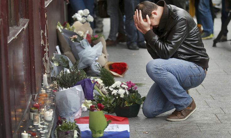 World mourns for victims of Paris terror attacks - in pictures