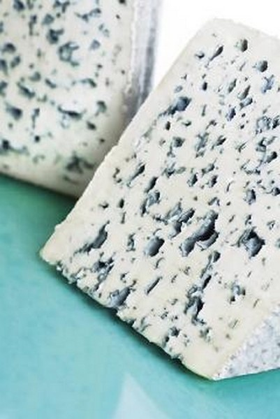 Bleu d'Auvergne is a French blue cheese named after its place of origin in the Auvergne region of south-central France. The cheese can be made from raw or pasteurized milk and is sometimes attributed as a cow's milk version of Roquefort.