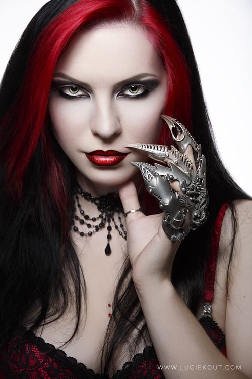 Vampiress #Goth girl - ✯ http://www.pinterest.com/PinFantasy/lifestyles-~-gothic-fashion-and-fantasy/