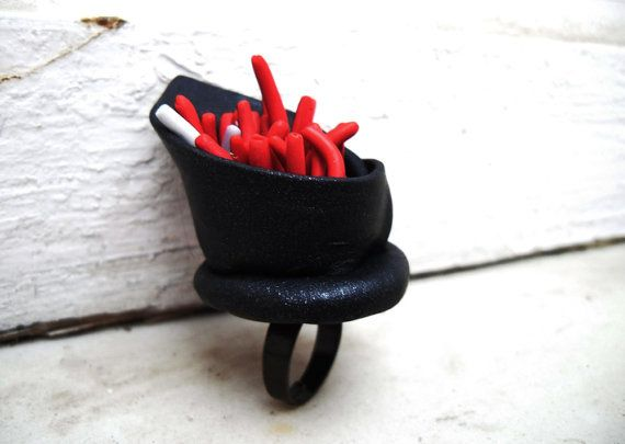 guilt  polymer clay adjustable ring in red and black by by Joogr, €26.00