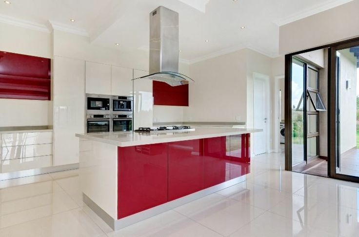 House For Sale in Blair Atholl Golf Estate, CENTURION this  stunning open plan Master Chef kitchen fully equipped with top notch appliances like coffee machine and gas hob with separate scullery.