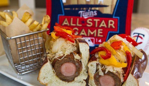 EN IMAGES. Le Bratdog double saucisse et autres horreurs du fast-food
