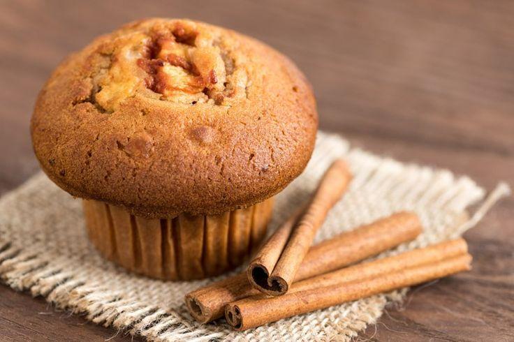 I muffin vegani sono dei dolcetti realizzati senza latte, uova o burro e saranno perfetti per chi segue una dieta vegana o per chi preferisce dolci più sani e meno calorici. Ecco la ricetta per prepararli