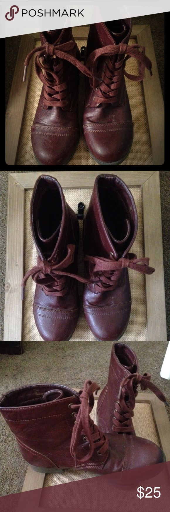 Rampage combat boots. Dark purple/ maroon lace up Rampage combat boots. Dark purple/ maroon lace up. Small tare by upper lace, but you can't see it when they lace up. Rampage Shoes Combat & Moto Boots