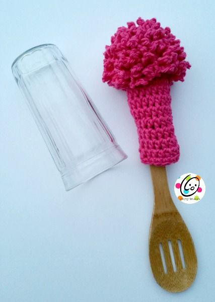 Bottle scrubber for those hard to reach containers. A perfect project for our Cotton-Ease or Kitchen Cotton yarn. Check out the pattern by @snappytots