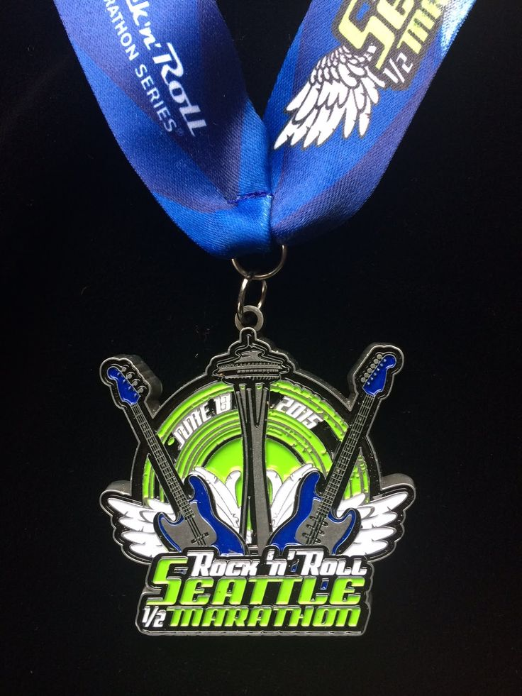 2015 Rock 'n' Roll Seattle Half Marathon Medal