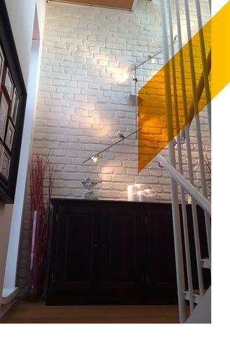 Increíble vista de estas escaleras con nuestros paneles de ladrillo macizo blanco!
