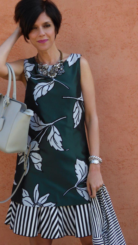 Oggi sul mio fashion blog un look con abito floreale e a righe di Pennyblack, giacca a righe, borsa giorgio perla di Patrizia Pepe e decolletè Zalando
