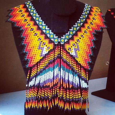Okama Jay Wera #emberachami en #expoartesano #medellin #tecnicasancestrales #embera #artesaniasdecolombia #moda #internacional #cultura #colores #diseños
