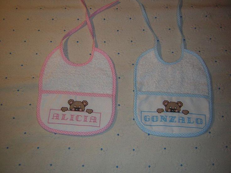 MOTIVOS INFANTILES MINIATURAS EN PUNTO DE CRUZ PARA BABEROS... | Aprender manualidades es facilisimo.com