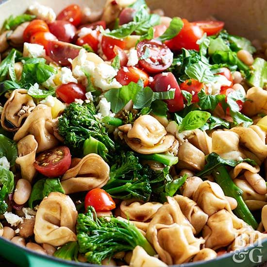 On the nights when you want a quick dinner as well as quick cleanup, stir together this vegetarian skillet pasta recipe.