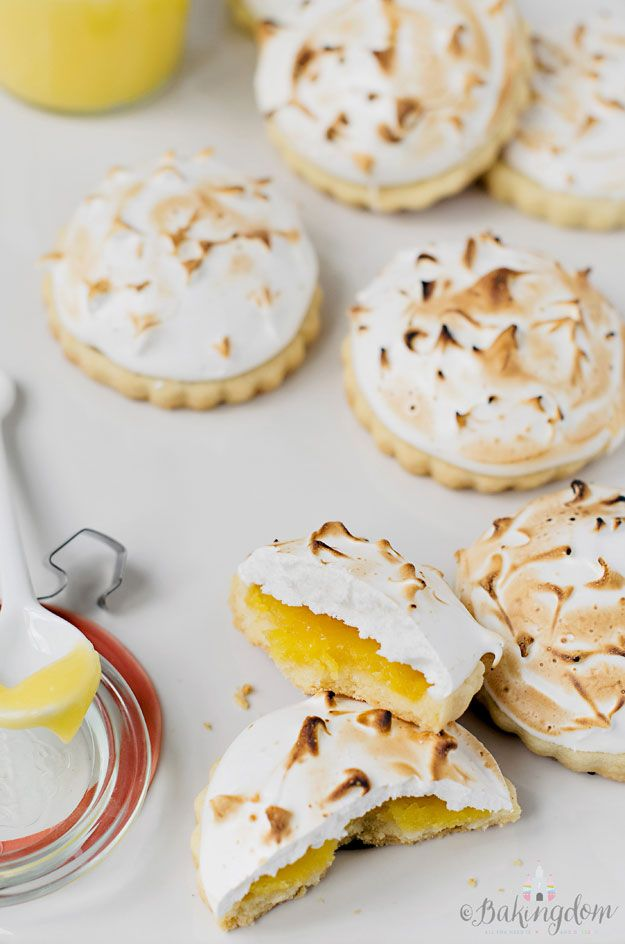 Lemon Meringue Shortbread by Bakingdom